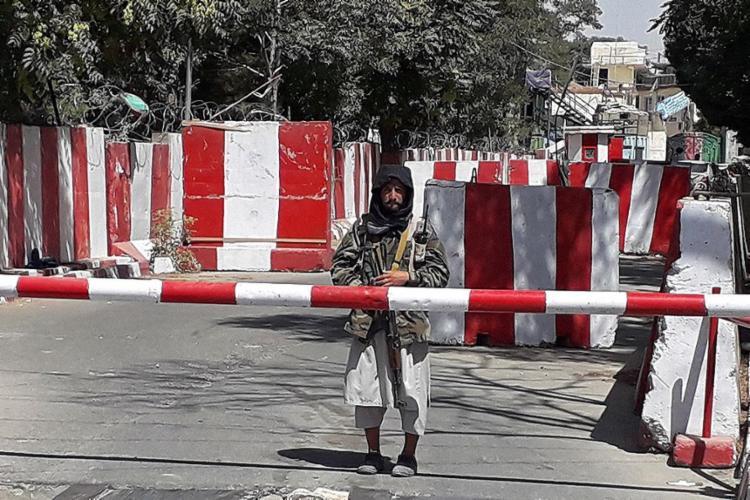 Grupo fundamentalista alertou a equipe de distribuição de vacinas para evitar distribuí-las, o que resultou no fechamento imediato dos postos de vacinação da região - Foto: AFP