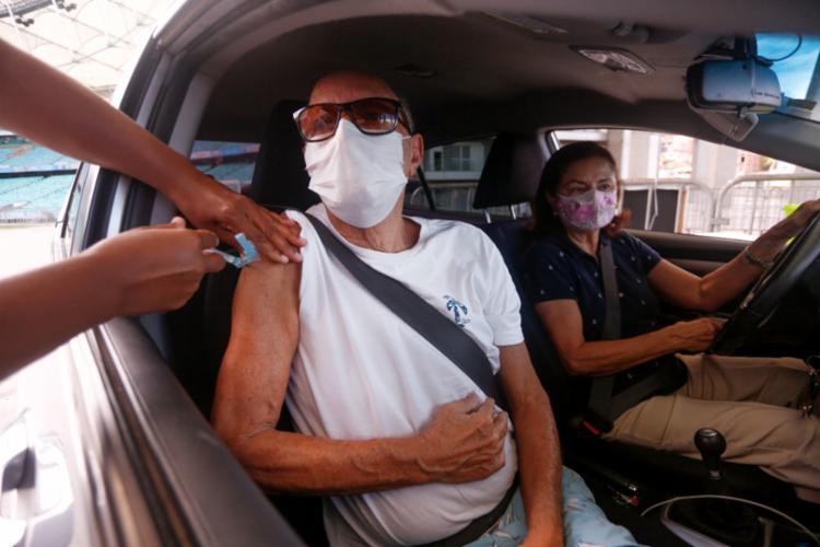 Anísio retornou à Arena Fonte Nova para a 3ª dose da vacina   Foto: Olga Leiria / Ag. A Tarde