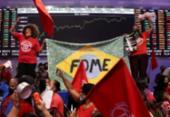 Ativistas ocupam a Bolsa de Valores de SP em protesto contra fome e inflação | Foto: Amanda Perobelli | Reuters