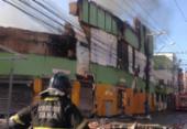 Incêndio de grandes proporções atinge loja de autopeças em Salvador | Foto: Olga Leiria | Ag. A TARDE