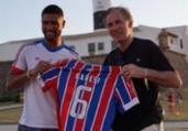 Em Salvador, Hebert dá camisa do Bahia a campeão | Reprodução | Instagram