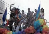 Edição mostra violência contra uma transgênero | Rejane Carneiro | Cedoc A TARDE | 1.6.2003