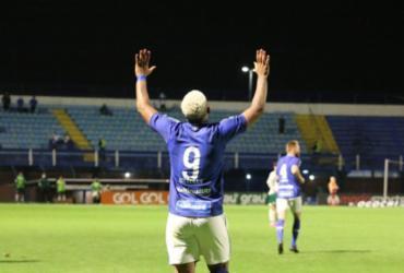 Avaí vence Goiás em Santa Catarina e sobe na tabela da Série B | Frederico Tadeu | Avaí FC