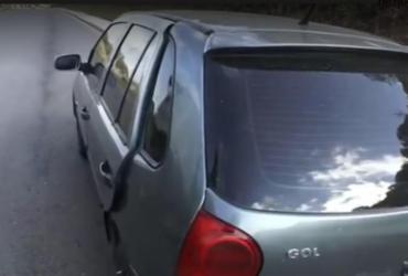 Corpo de homem é encontrado em carro abandonado na BR-324, em Salvador | Reprodução | TV Bahia