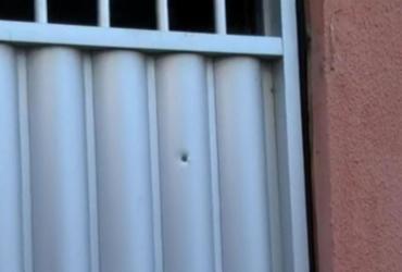 Homem é baleado na porta de casa durante tiroteio em Cidade Nova | Reprodução | TV Bahia