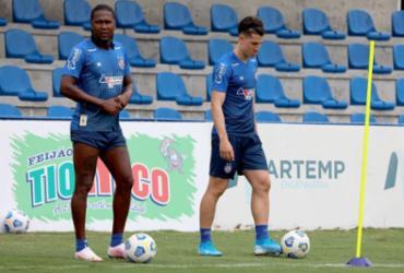 Bahia treina bolas paradas antes de embarque para Porto Alegre | Felipe Oliveira | EC Bahia