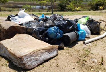Ação ecológica retira cerca de 700 kg de resíduos da praia de Busca Vida