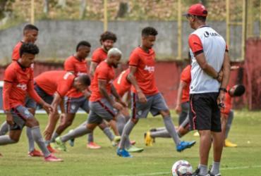 Vitória encerra preparação para enfrentar o líder Coritiba |
