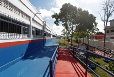 Estado publica licitação para modernizar escolas e construir complexos poliesportivos no interior