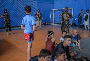 Talibã autoriza homens a praticarem todos os esportes |