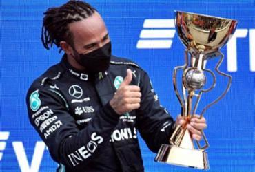 Lewis Hamilton conquista na Rússia sua vitória de número 100 na F1   Alexander NEMENOV / AFP