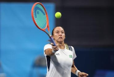 Tênis: Luisa Stefani opera joelho direito em Chicago |