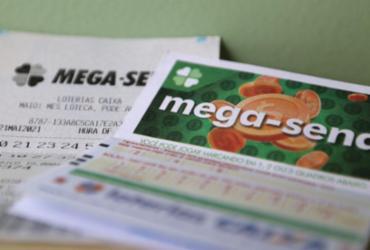 Ninguém acerta a Mega-Sena e prêmio acumula em R$ 10 milhões | Tânia Rêgo / Agência Brasil