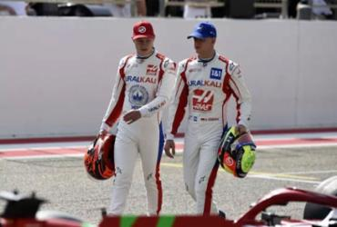 Mick Schumacher e Nikita Mazepin são confirmados como pilotos da Haas em 2022 | Mazen Mahdi | AFP