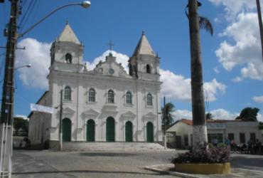 População de Catu pede retorno de padre afastado da Paróquia Senhora Santana