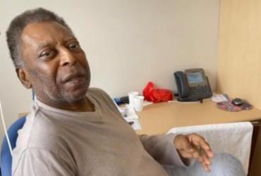Em recuperação, Pelé canta hino do Santos no quarto do hospital | Reprodução | Redes Sociais