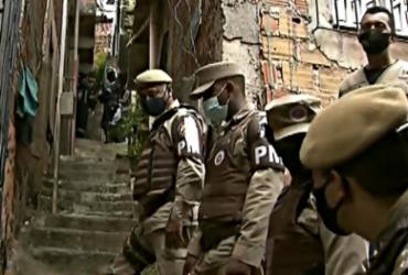 Bandidos que fizeram mulher refém em Brotas se entregam | Reprodução/ Record Tv