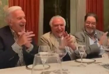 Em jantar com políticos e empresários, Temer ri de imitação que desmoraliza Bolsonaro | Reprodução