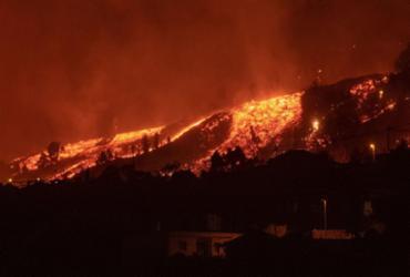 Lava do vulcão das Canárias perde velocidade, mas mantém capacidade de destruição | Desiree Martin | AFP