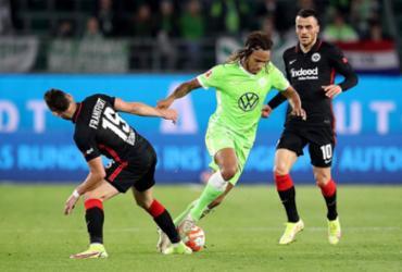 Wolfsburg empata com Eintracht e cede liderança ao Bayern |