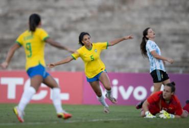 Com golaço de Marta e brilho de novata, Brasil bate Argentina de novo |