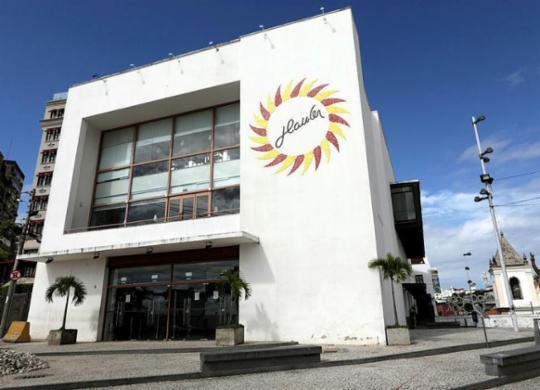 Políticos cobram Itaú por fim de acordo com cinema Glauber Rocha | Adilton Venegeroles | Ag. A TARDE