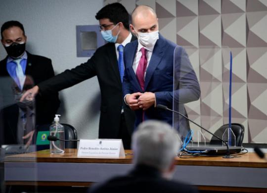 Diretor da Prevent Senior afirma que médicos manipularam dados de pacientes   Pedro França   Agência Senado