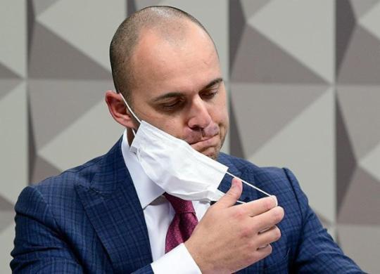 Diretor da Prevent confirma retirada de menção à Covid em ficha de pacientes | Pedro França | Agência Senado