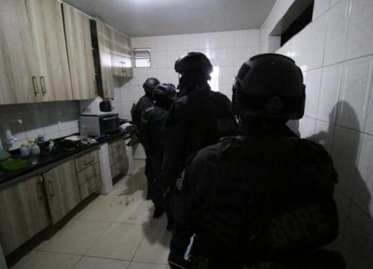 Mulher feita refém por ex-companheiro em Salvador é libertada com ferimentos leves | Alberto Maraux | SSP-BA