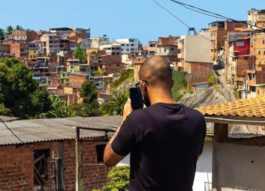Tatuador cria perfil em rede social com foco nas belezas do bairro   Joyce Melo   Agência Mural