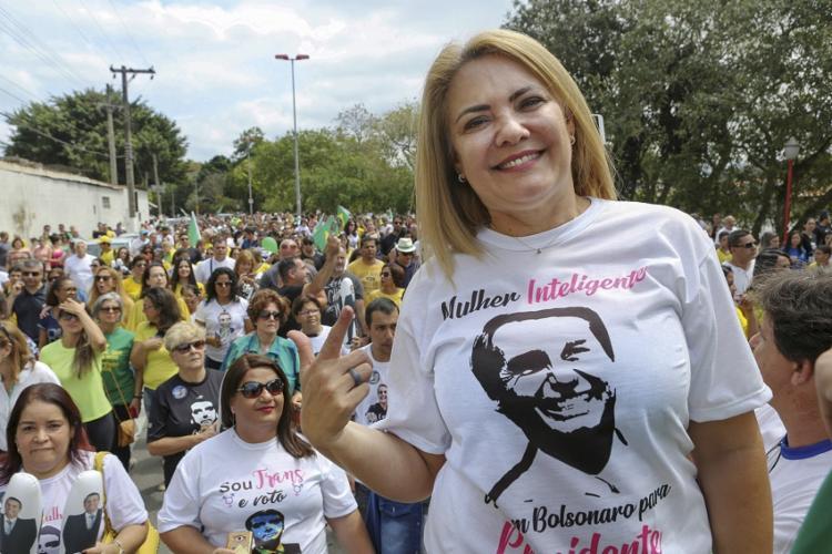 Ana Cristina é mãe de Jair Renan Bolsonaro, conhecido como o filho