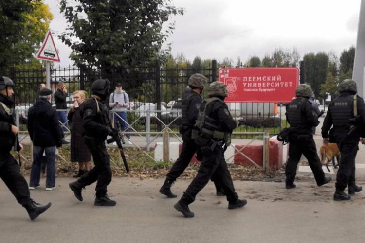 Aluno de 18 anos abriu fogo contra estudantes e funcionários da Universidade Estadual de Perm, no nordeste do país - Foto: AFP 