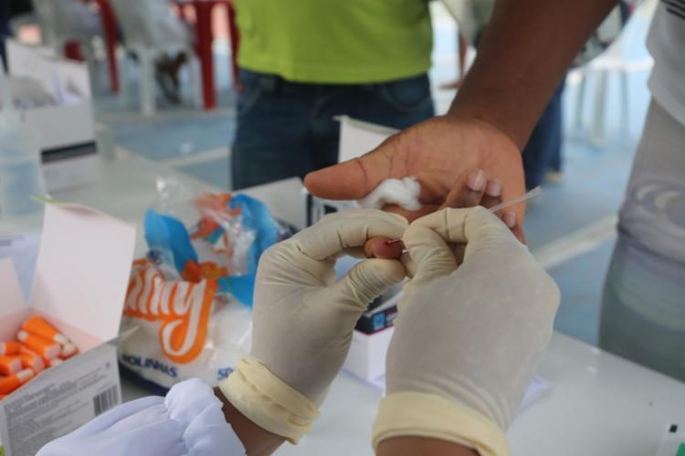 A atualização do boletim da Sesab apontou 1.057 contaminações e 7 mortes | Foto: Olga Leiria | Ag. A TARDE - Foto: Olga Leiria | Ag. A TARDE