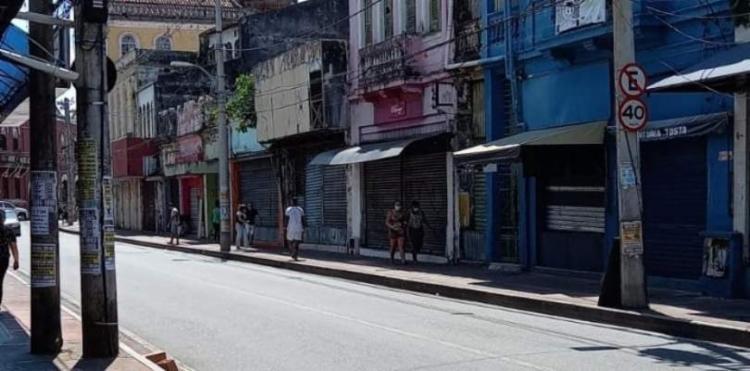 Comércio fechou após suposto toque de recolher por conta da morte dos jovens; Polícia nega que tenha havido ordem para o fechamento das lojas   Foto: Reprodução - Foto: Reprodução