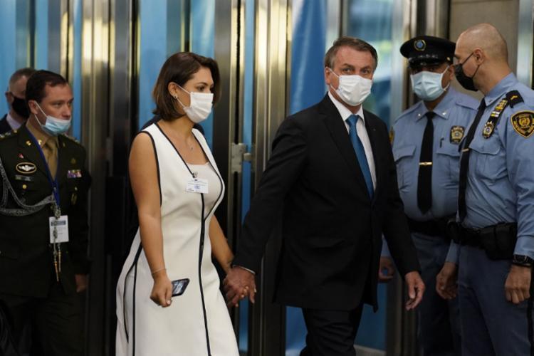 Comitiva brasileira chegou à sede da ONU utilizando máscaras | Foto: AFP - Foto: AFP