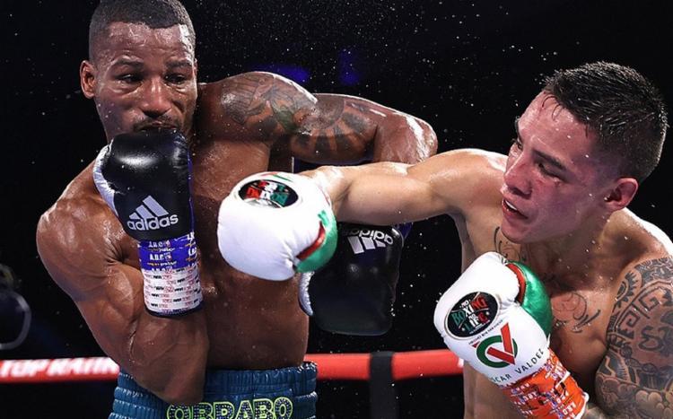 Melhor durante os rounds iniciais, o brasileiro não se conformou e contestou o resultado, que apontou a vitória para o mexicano | Foto: Divulgação | TR Boxing - Foto: Divulgação | TR Boxing