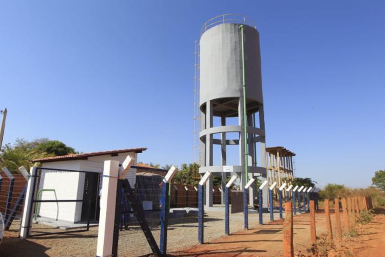 Com a construção do Sistema de Abastecimento de Água no Distrito de Pindorama, 958 casas receberam ligações domiciliares com mureta e hidrômetro. - Foto: Fernando Vivas/ GOVBA