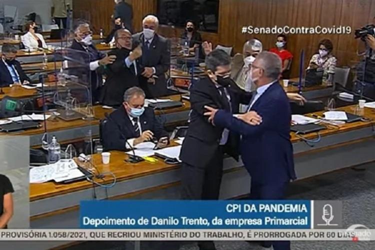 Briga se iniciou após Calheiros fazer críticas ao governo Jair Bolsonaro (sem partido) o que desagradou o senador governista - Foto: Reprodução