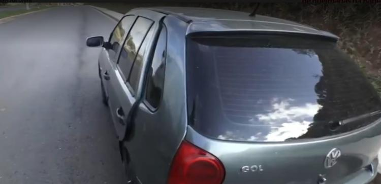Veículo foi encontrado na Avenida Dois de Julho   Foto: Reprodução   TV Bahia - Foto: Reprodução   TV Bahia