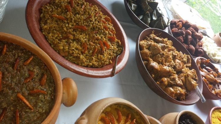 27 de Setembro, dia de saudar os santos Cosme e Damião, é uma das datas mais esperadas pelos baianos: dia de comer caruru!