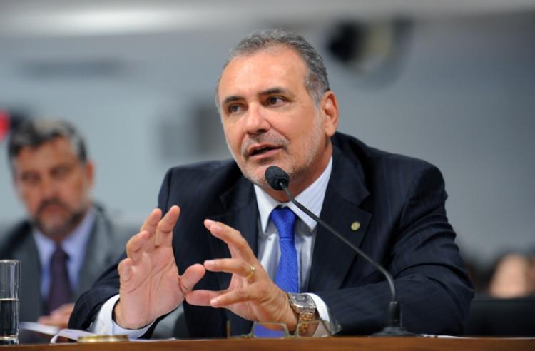 A nomeação do deputado Nelson Pelegrino (PT) ao cargo de conselheiro do TC está suspensa   Foto: Divulgação - Foto: Divulgação