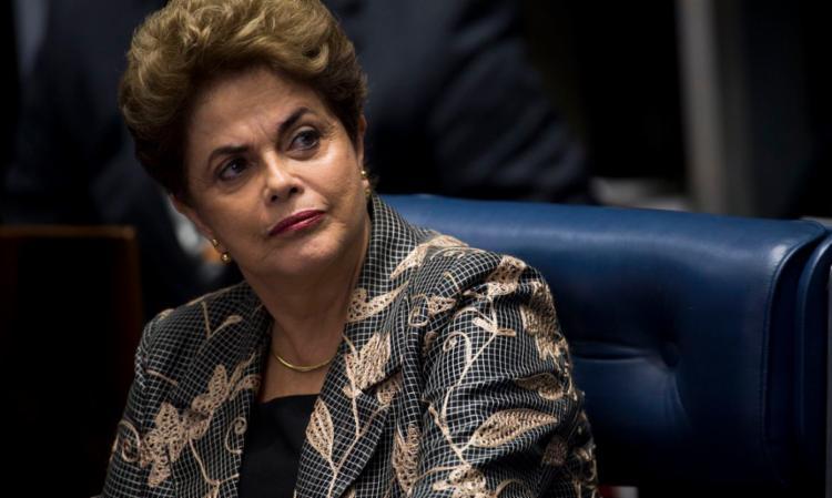 Segundo a petista, o projeto visava a descentralização do poder sobre os meios de comunicação no Brasil, que permitiu a formação de oligopólios no ramo e