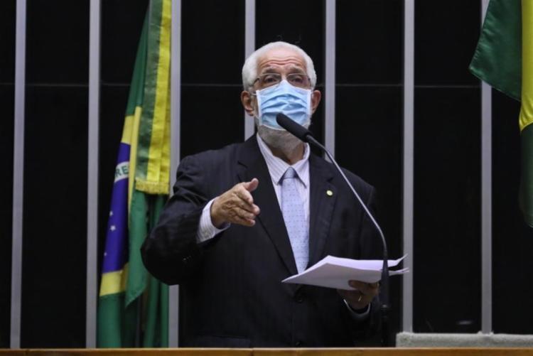 O ex-secretário de Saúde da Bahia diz que a defesa feita por Bolsonaro do tratamento precoce com base nas