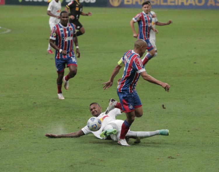 Lateral Nino Paraíba em jogo do Bahia contra o RB Bragantino pelo Brasileirão   Foto: Olga Leiria   Ag. A TARDE