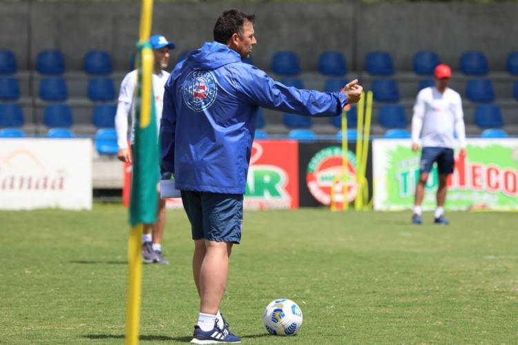 Dabove comandou um treino tático e de bolas paradas na Cidade Tricolor   Foto: Felipe Oliveira   EC Bahia - Foto: Felipe Oliveira   EC Bahia