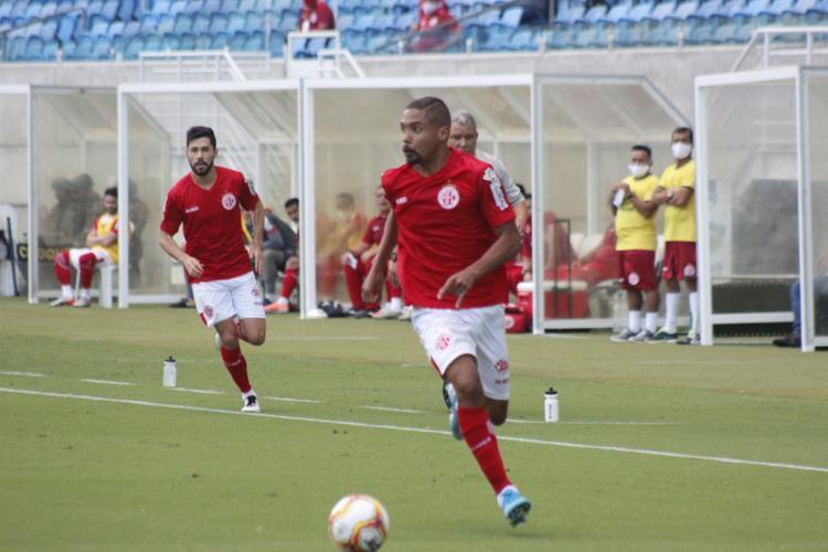 O jogador já atuou por América-RN, Ponte Preta, Ceará, São Caetano e Sampaio Corrêa - Foto: Divulgação | América-RN