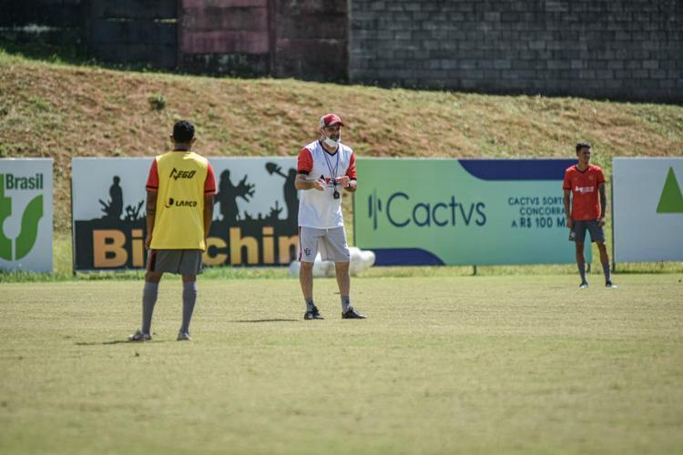 O treinador não poderá contar com sua zaga titular para o jogo contra o Brusque   Foto: Pietro Carpi   EC Vitória - Foto: Pietro Carpi   EC Vitória
