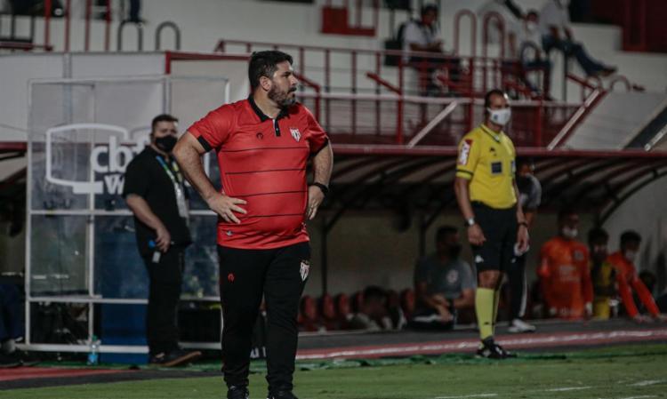 No clube desde maio, treinador não resistiu a empate com Cuiabá | Foto: Bruno Corsino | ACG - Foto: Bruno Corsino | ACG