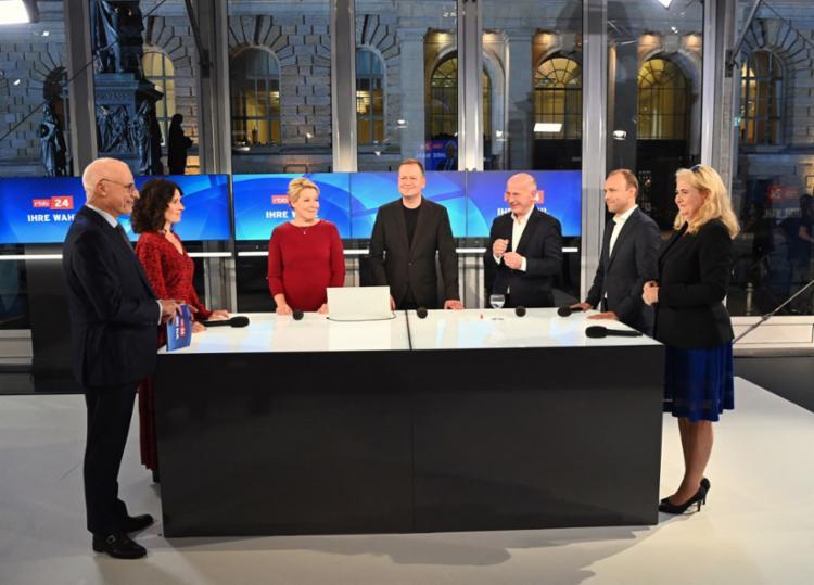 Principais candidatos reunidos na Alemanha: formação de coalização para governar o país enfrenta obstáculos   Foto: Soeren Stache / AFP - Foto: Soeren Stache / AFP