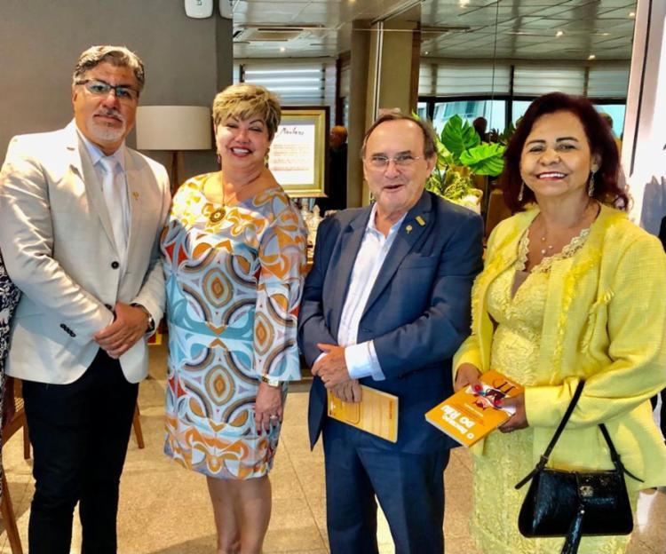 José Luiz Castro e as desembargadoras Gardenia Duarte e Maria de Fátima Carvalho prestigiaram a homenagem ao presidente da Fecomércio | Foto: Divulgação